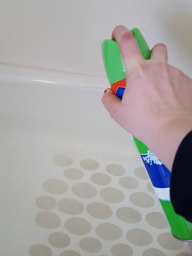 Scrubbing Bubbles Tub